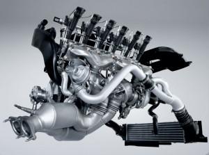 Motor benzină, şase cilndii în linie, Twit Turbo şi High Precision, 306 cp